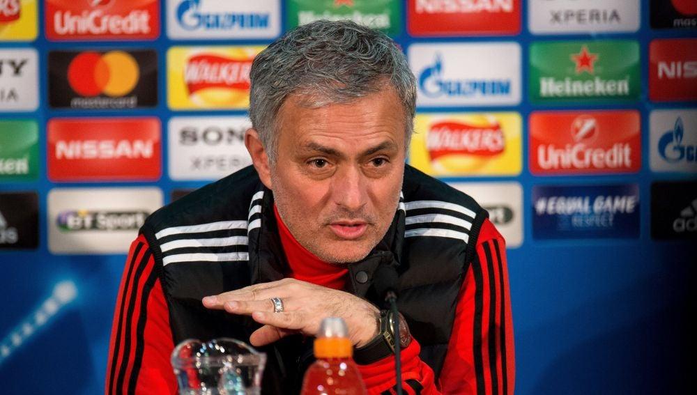 Mourinho en sala de prensa