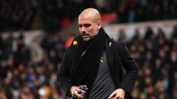 Guardiola, de nuevo con el lazo amarillo