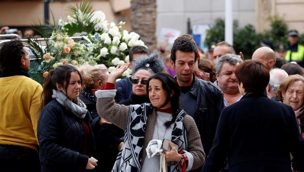 Los Padres De Gabriel Cruz Acompanan El Feretro En La Catedral De Almeria
