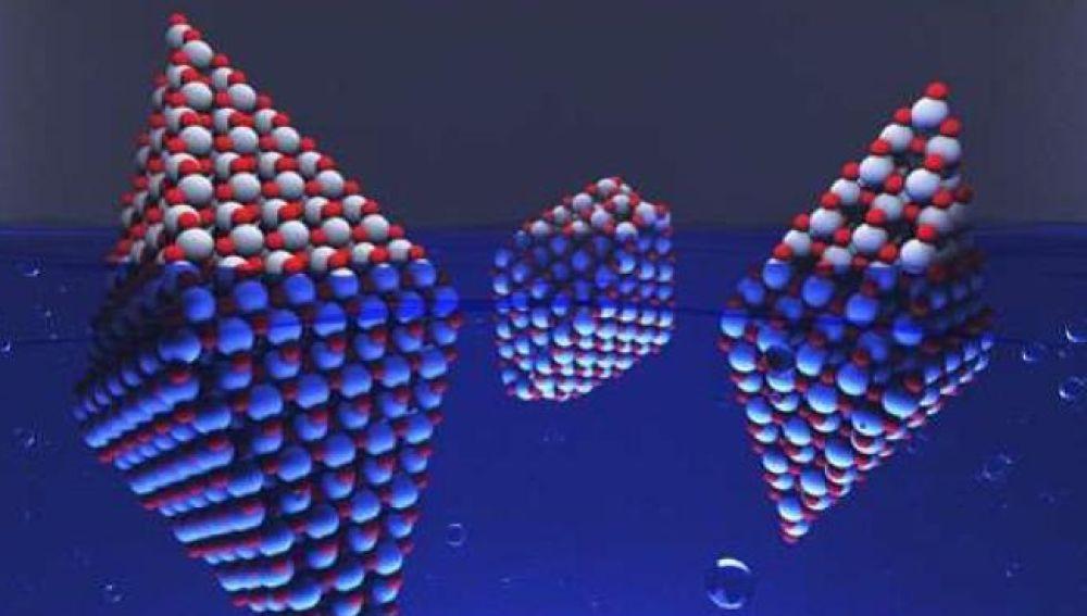 El proyecto COMPHOCAT ha trabajado en la modelización computacional de nanopartículas de óxido de titanio (TiO2) para buscar un catalizador que, con luz visible, permita la división del agua para generar hidrógeno.