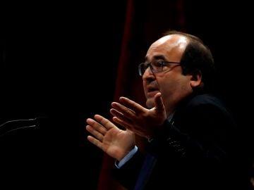 El líder del PSC, Miquel Iceta, durante su intervención en el debate de investidura