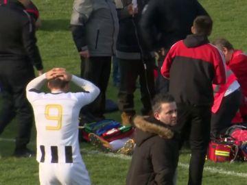 Un futbolista croata muere en pleno partido tras un fuerte pelotazo en el pecho