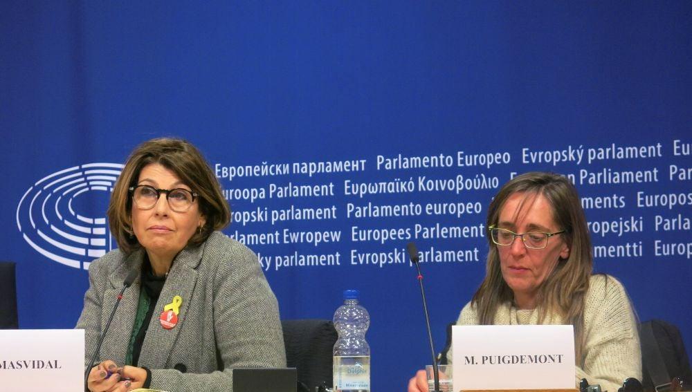 La hermana del expresidente catalán, Monserrat Puigdemont, y Laura Masvidal