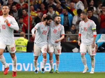 Isco celebra un gol ante Argentina en el Wanda Metropolitano