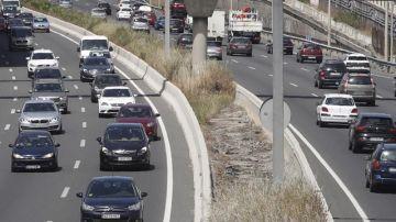 Decenas de coches a su paso por la M-40