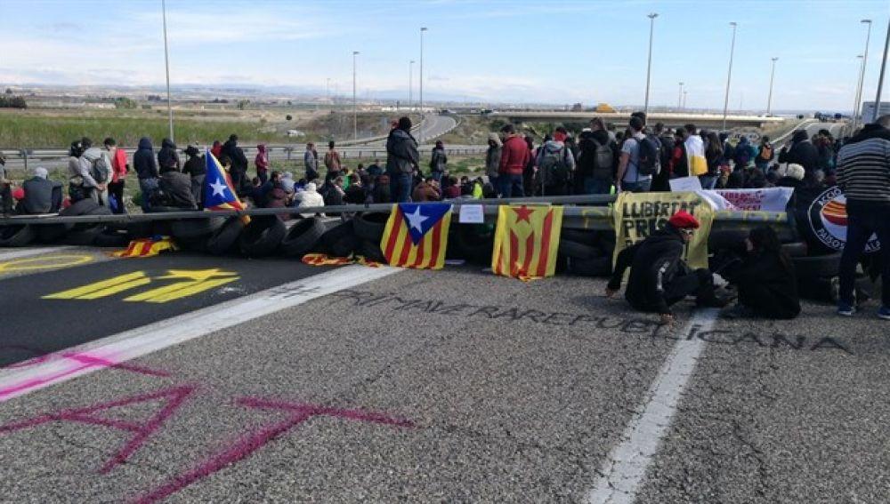 Los CDR cortan una carretera en Soses