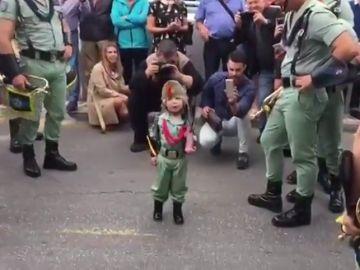 Un niño de tres años canta 'El novio de la Muerte'
