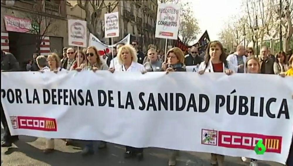 Manifestación en Valencia en contra de la privatización de la sanidad