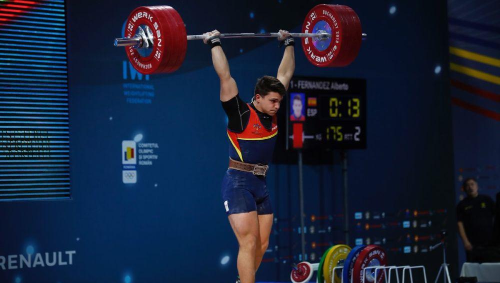 Alberto Fernández levantando 150 kilos
