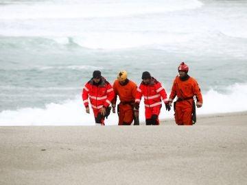 Búsqueda de la joven que resultó arrastrada por el mar en A Coruña