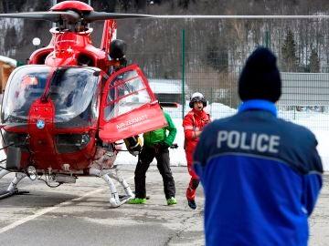 Equipo de rescate en los Alpes Suizos
