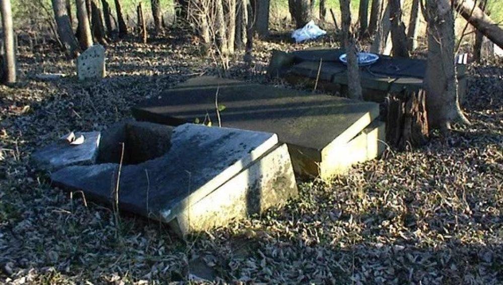 Imagen de archivo de una tumba