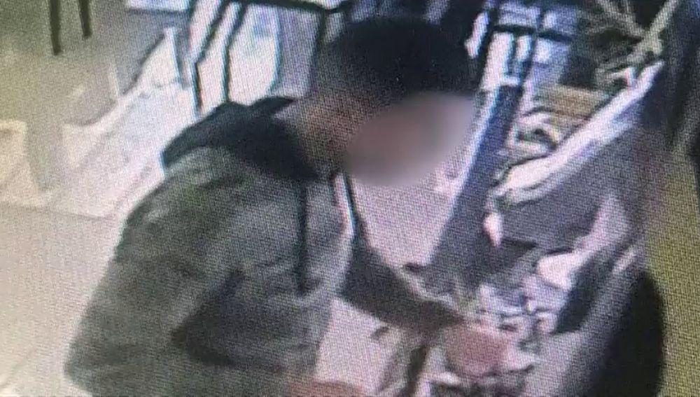 Un camarero de un restaurante de Telde, en coma tras una brutal agresión por intentar evitar un 'simpa'