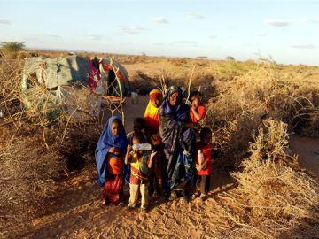 Un grupo de niñas y niños de Somalia