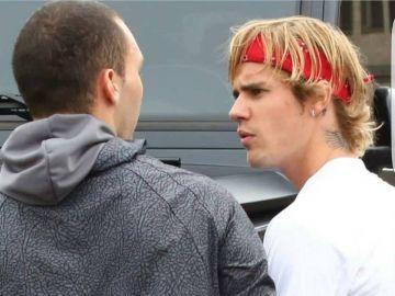 Justin Bieber y el fan que le acusa de romperle el móvil