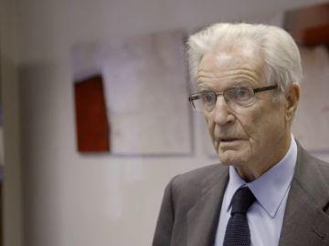 """Antonio Garrigues Walker, abogado: """"Los políticos viven aislados de los fenómenos médicos, pero los científicos seguirán adelante sin pedir permiso"""""""