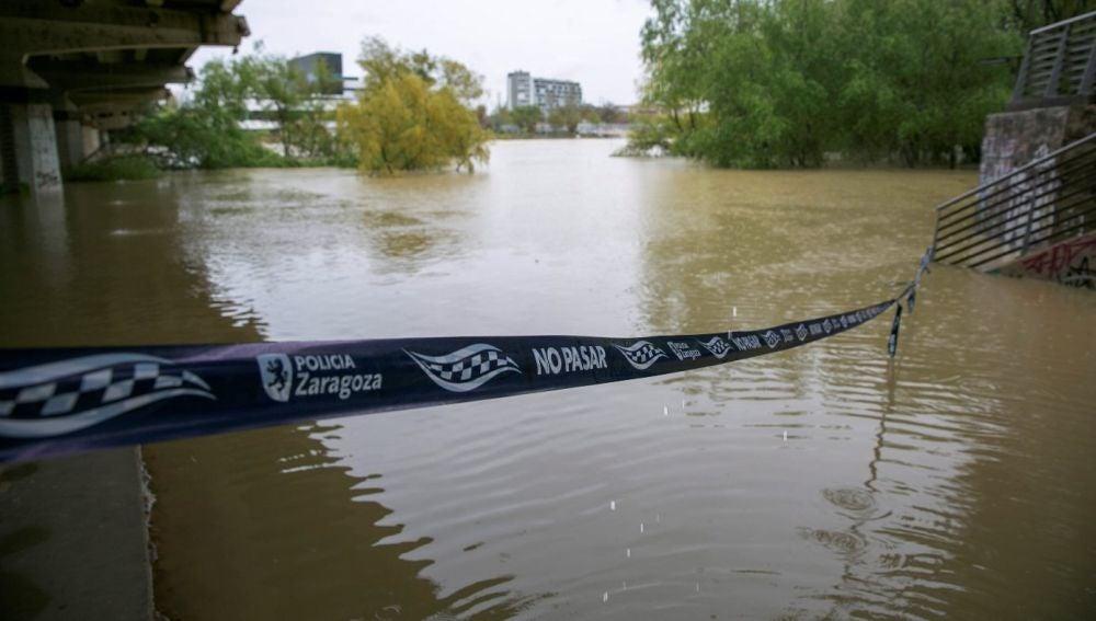 Imagen del río Ebro a su paso por la ciudad de Zaragoza