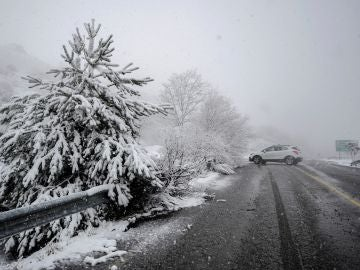 Todas las comunidades, salvo País Vasco, en alerta por nieve o fuerte oleaje