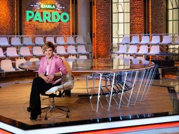 Cristina Pardo sentada en el plató de Liarla Pardo