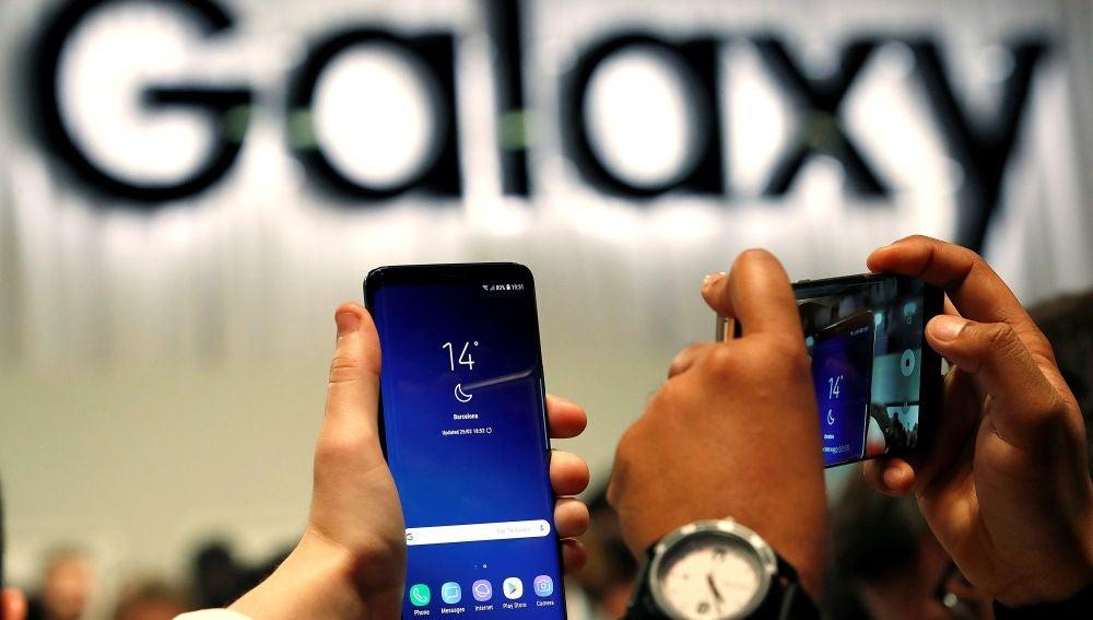 Un modelo de smartphone de Samsung