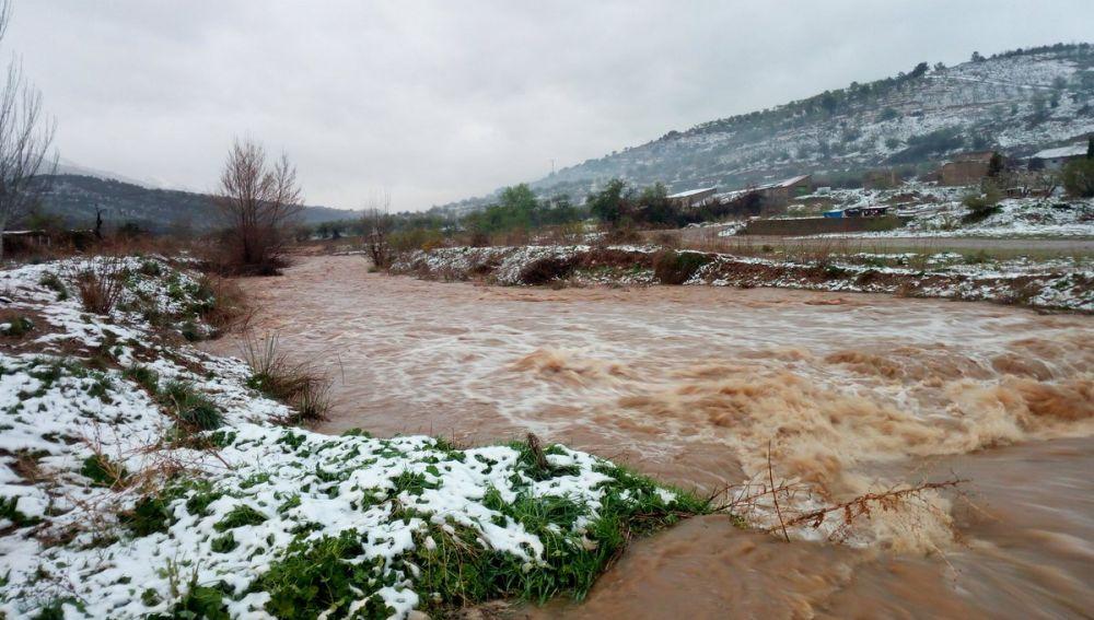 Imagen del caudal actual del río Grío tras las últimas precipitaciones