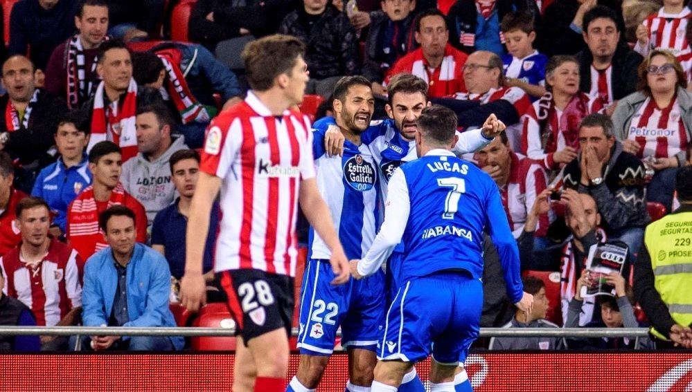 Adrián celebra su segundo gol en San Mamés