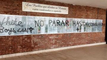 El cementerio civil de La Barranca, en Lardero (La Rioja) ha amanecido con varias pintadas