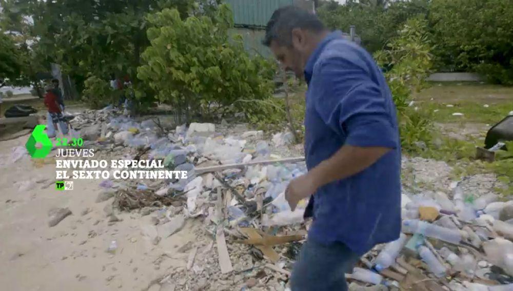 """Enviado Especial, viaja al el sexto continente:  """"Es una isla hecha de basura y para la basura"""""""