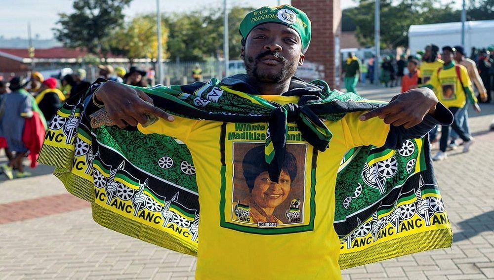 """Sudáfrica se despide para siempre de Winnie Mandela, la """"madre de la nación"""""""
