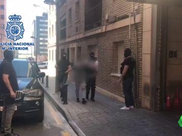 Detenidos once personas por su implicación en atracos con armas de fuego en Alicante