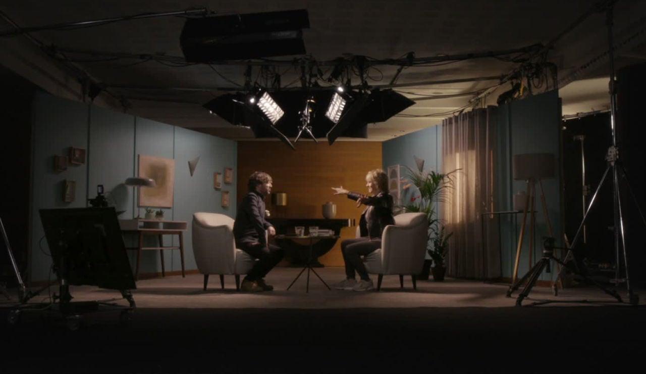 Salvados monta su primer set de televisión para entrevistar a la periodista Mercedes Milá