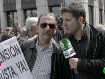 Jesús Cintora con los pensionistas