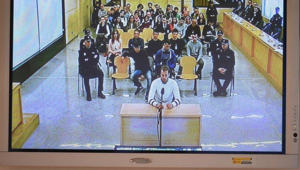 Uno de los acusados de Alsasua durante el juicio