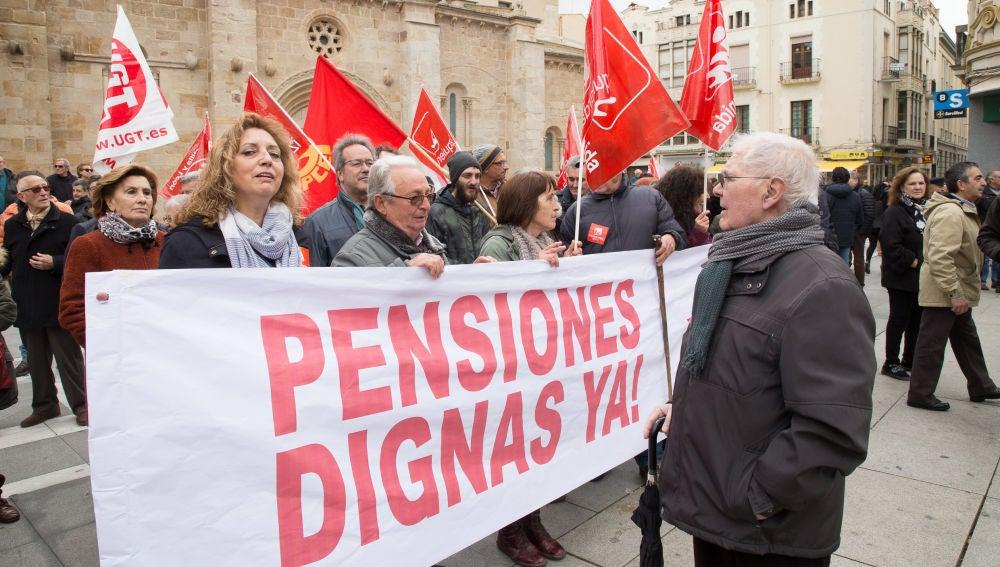 Manifestación por las pensiones y los empleos dignos en Zamora