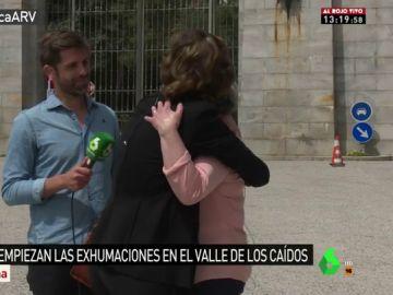 Purificación Lapeña y Rosa Gil en las inmediaciones del Valle de los Caídos
