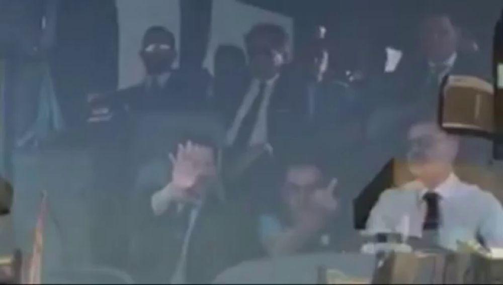 Sarri hace una peineta a la afición de la Juventus