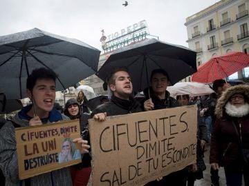 Manifestación tras el escándalo de Cifuentes en la Puerta del Sol (Archivo)