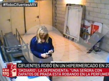 Cristina Cifuentes fue 'pillada' robando en un supermercado en 2011