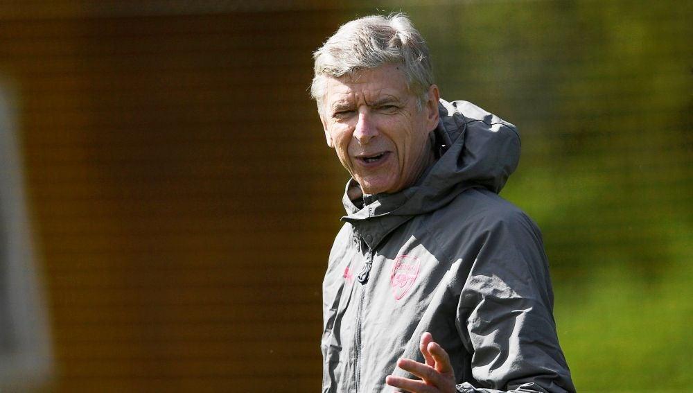 Arsène Wenger, durante un entrenamiento del Arsenal
