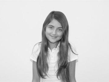 Lucía Moreno, una niña con distrofia simpático refleja