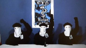 ETA ha anunciado su disolución como banda terrorista