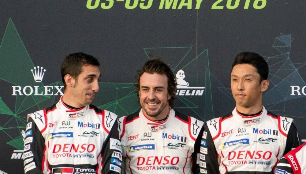 Alonso, con Buemi y Nakajima