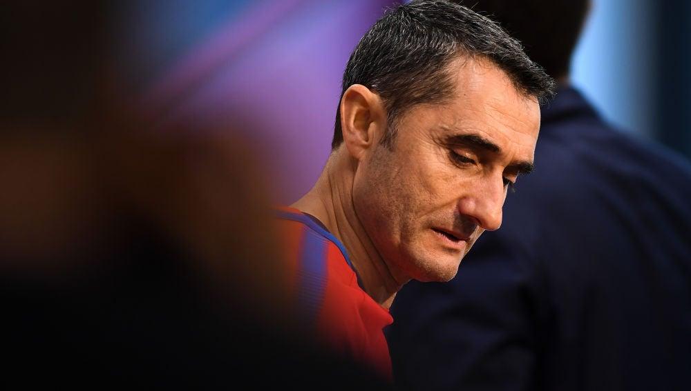 Valverde, antes de la rueda de prensa