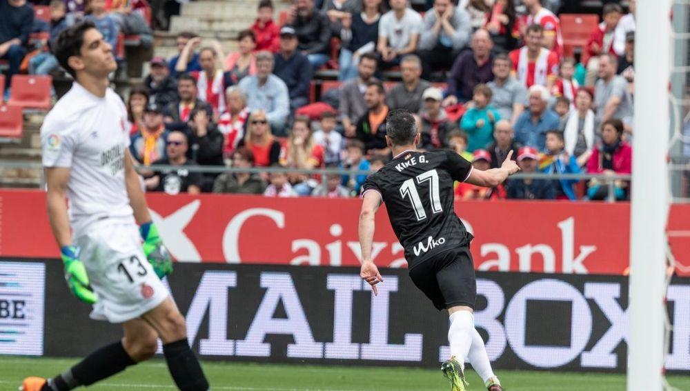 Kike García celebra uno de sus goles contra el Girona