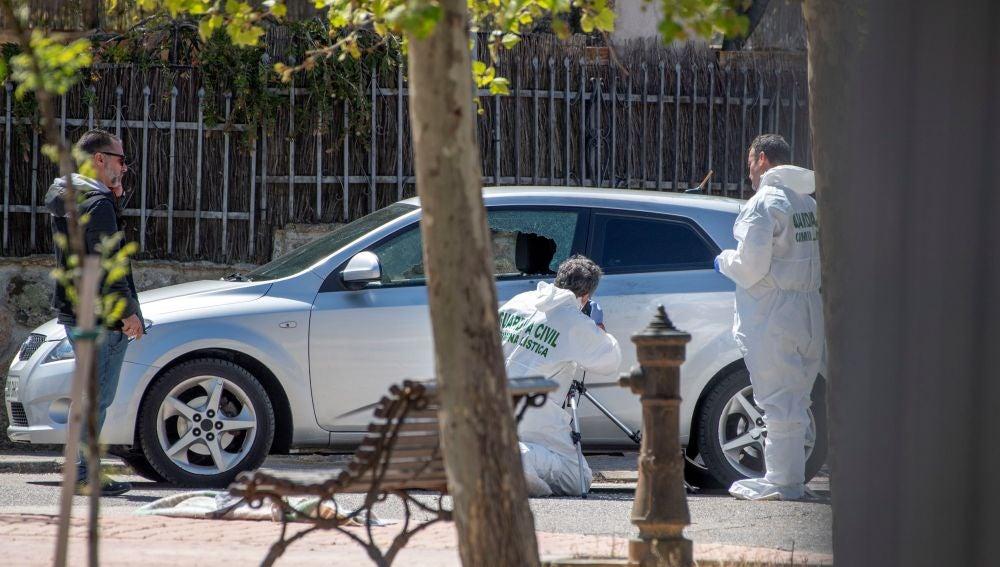 En la imagen el vehículo en el que viajaba la víctima en el momento del suceso