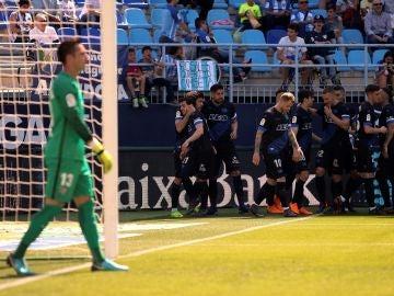 Los jugadores del Alavés celebran uno de los goles contra el Málaga