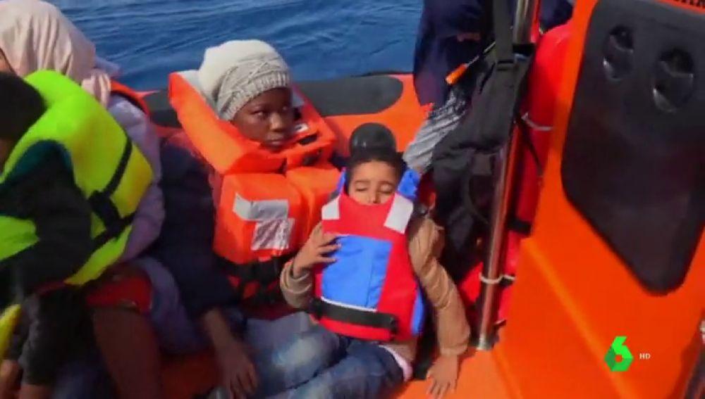 Rescate de Proactiva Open Arms de 105 personas en el Mediterráneo