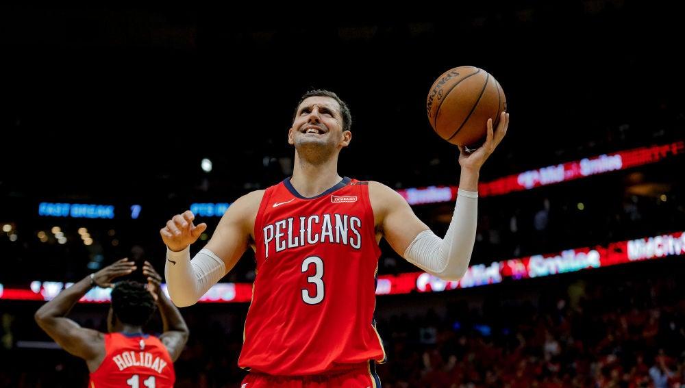 Nikola Mirotic lamenta una acción con los Pelicans