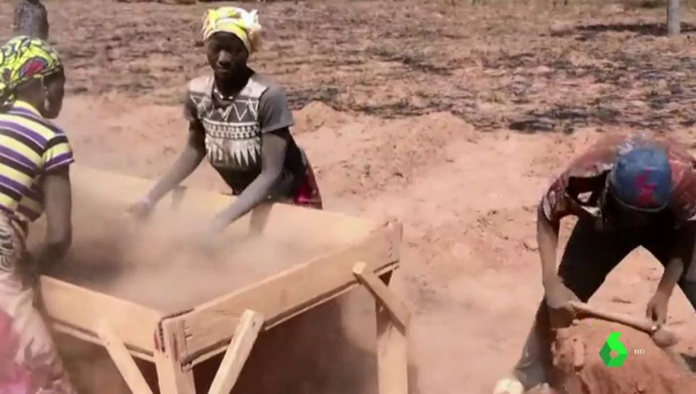 Trabajadores africanos de la chufa