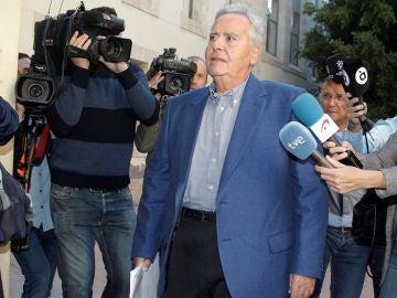 Imagen de Díaz Alperi a su llegada a los juzgados